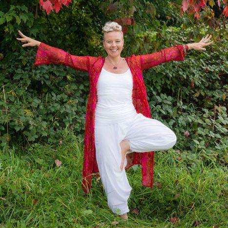 steph-bailey-yogi-online-large